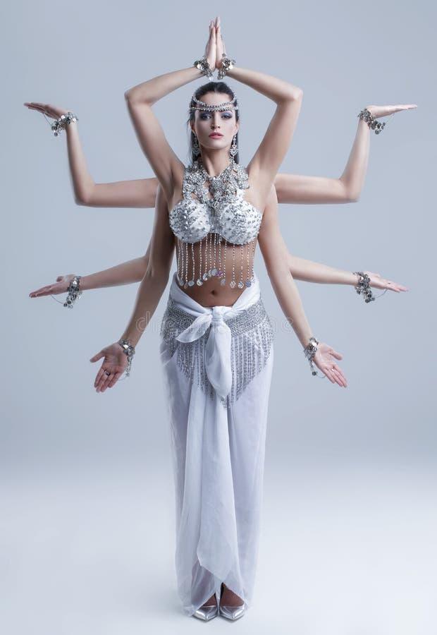 Déesse de Shiva avec la pose de huit bras images libres de droits