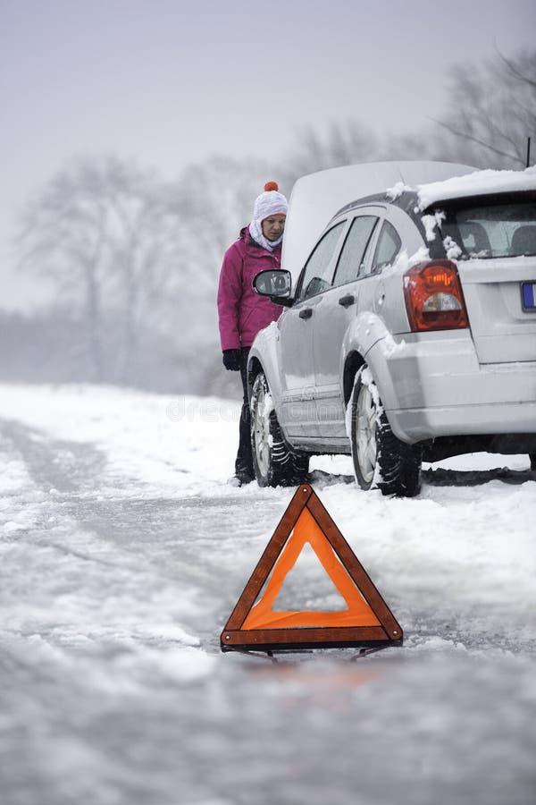 Défaut de voiture dans la saison d'hiver photo stock