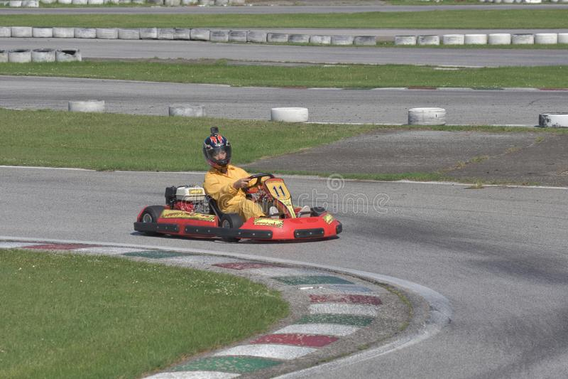 Défi de kart d'Unieuro à la vallée heureuse de Kartodromo en RA de Cervia photo stock