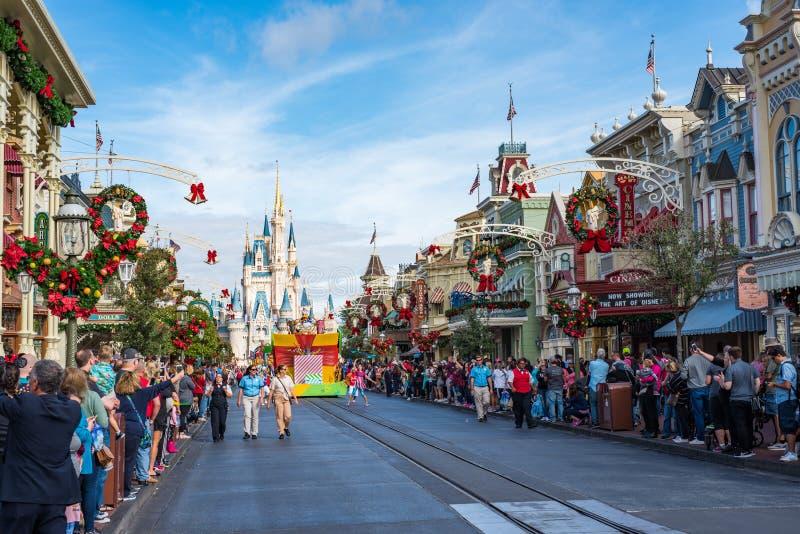Défilé dans Main Street Etats-Unis au royaume magique, Walt Disney World photo libre de droits