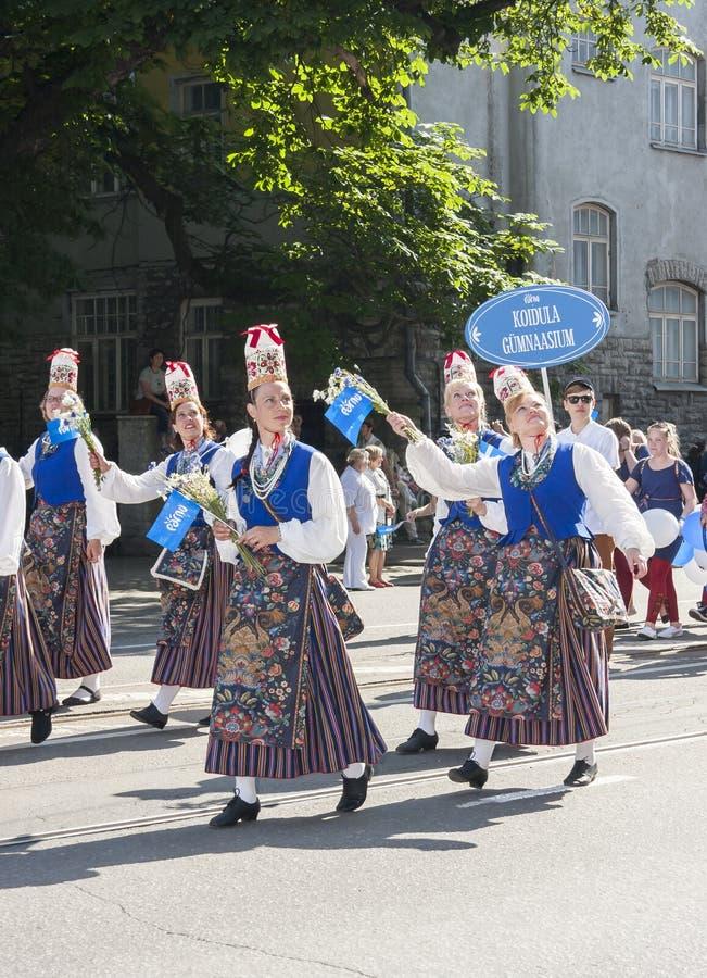Défilé de festival national estonien de chanson à Tallinn, Estonie images libres de droits