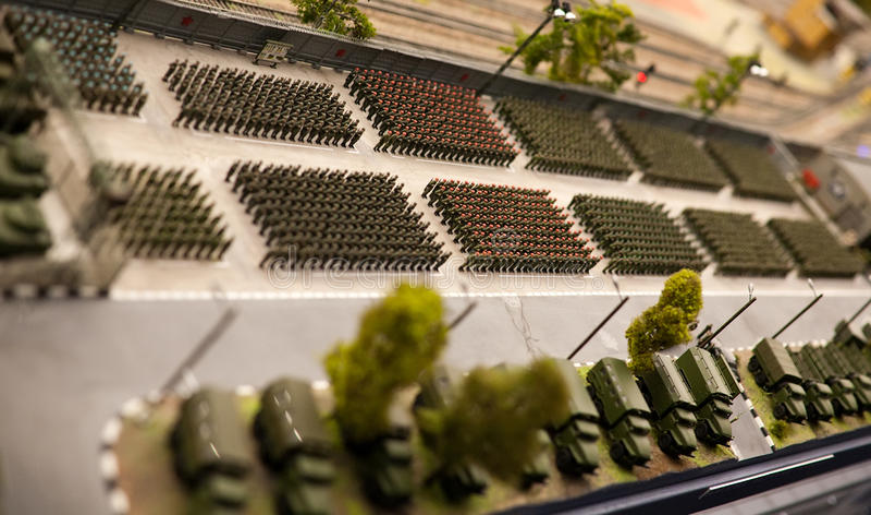 Défilé militaire de formation de soldats de jouet image stock