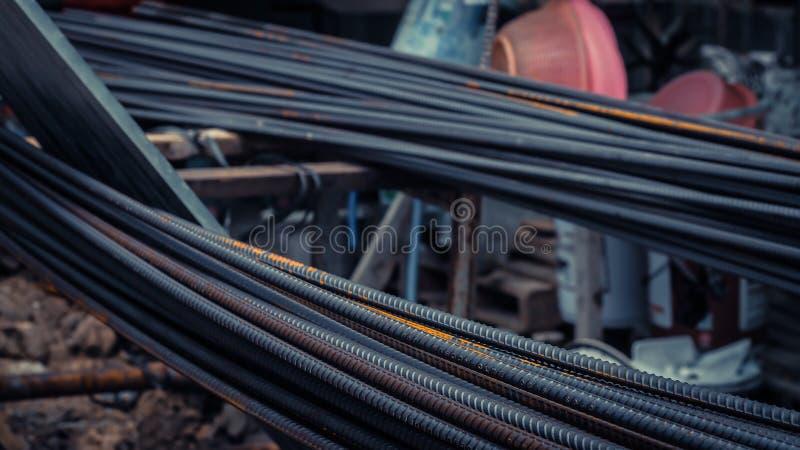 Déformez l'acier de barre utilisé dans l'élément de structure en béton de renfort images stock