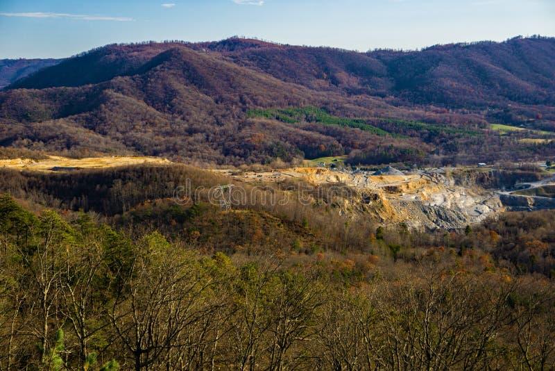 Défunt Autumn View des crêtes de la vallée de crique de loutre et d'oie photographie stock libre de droits