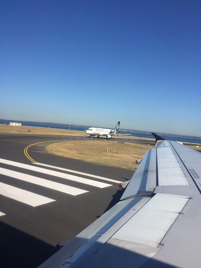 Dégagement de attente d'Air New Zealand Airbus 320 à décoller photo stock