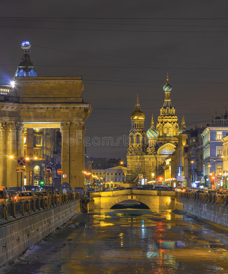 Dégel d'hiver à St Petersburg, Russie photo libre de droits