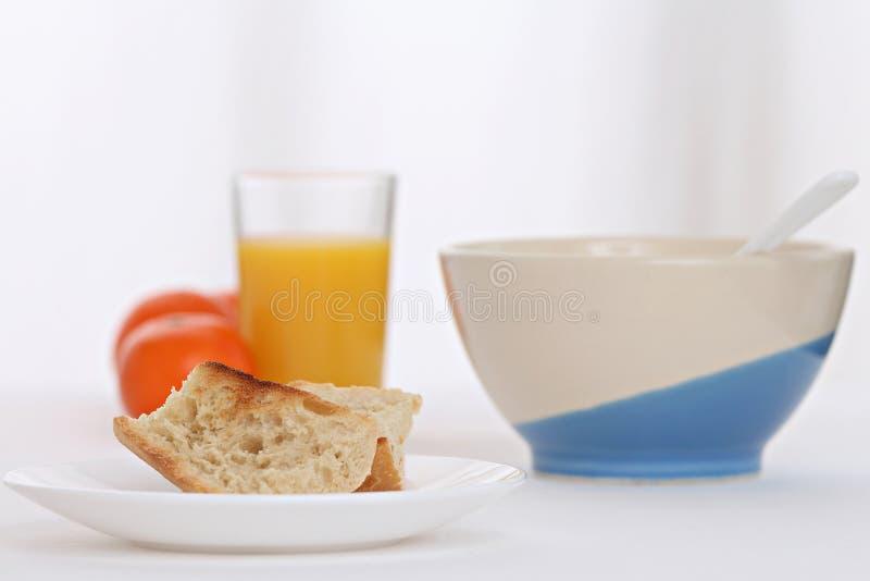 Déjeuner avec du pain grillé image libre de droits
