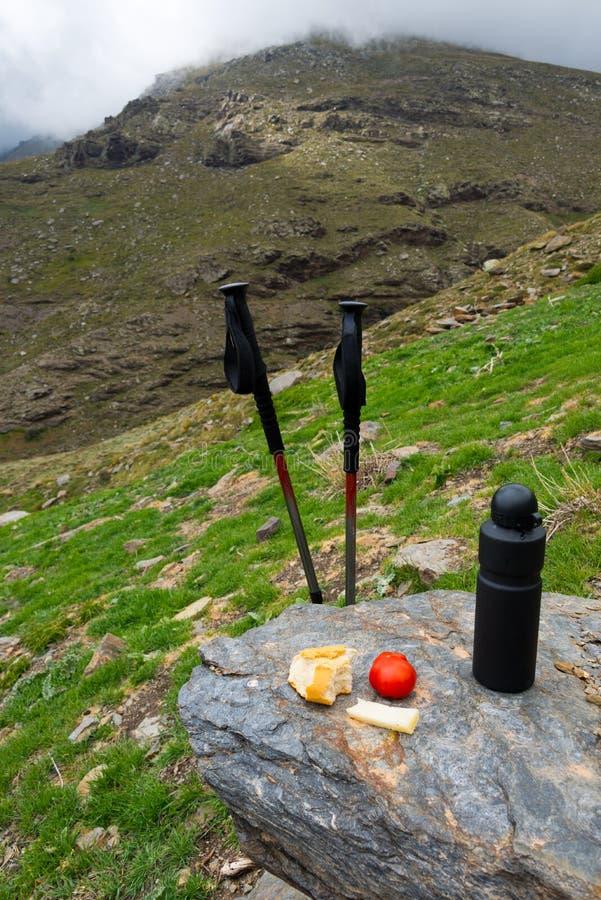 Déjeuner de trekking à la sierra Nevada, Espagne photo libre de droits