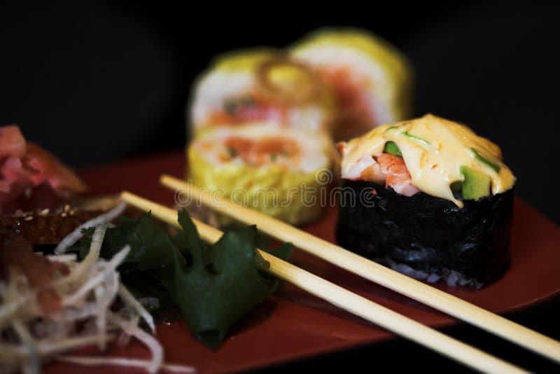 Déjeuner des sushi assortis photos stock