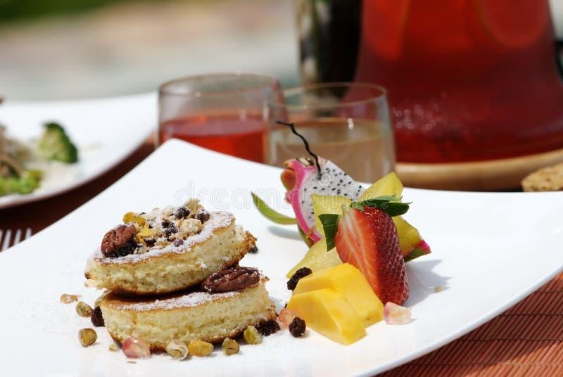 Déjeuner et fruit végétariens pour sain photo stock