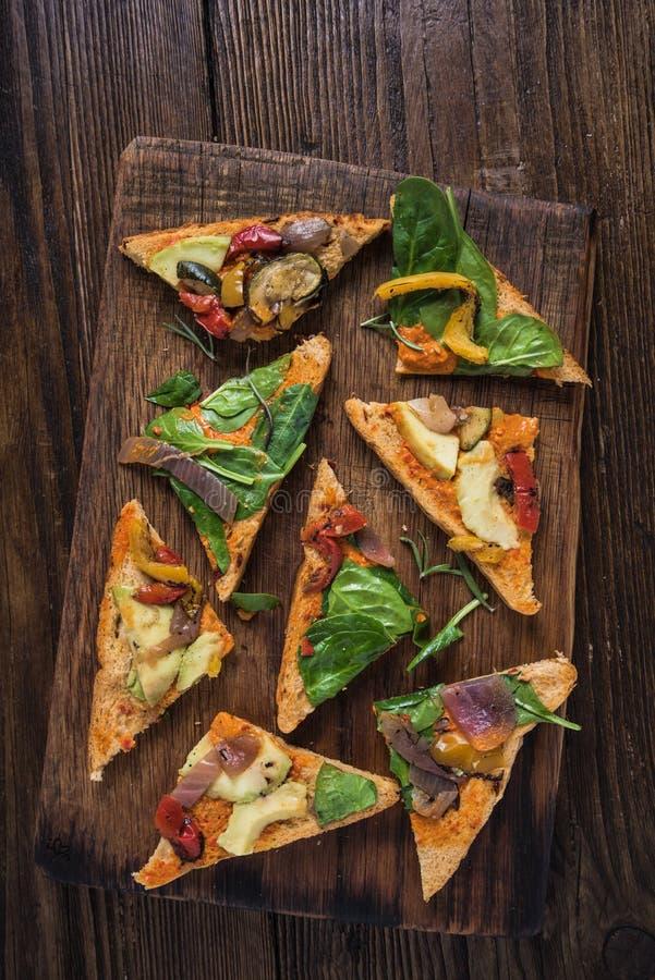 Déjeuner sain, sandwich rôti à légumes photos libres de droits