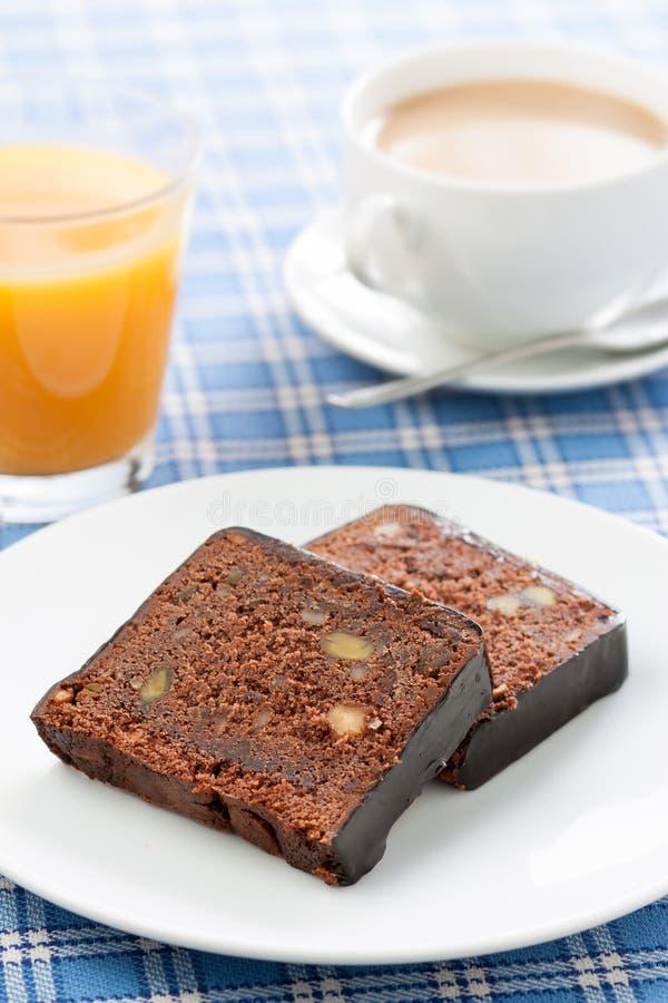 Déjeunez avec du café, le jus d'orange et le gâteau photos stock