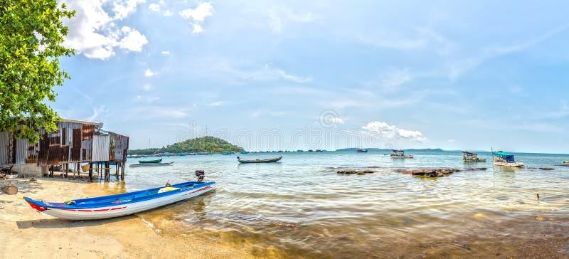 Déjeunez dans un village de pêche de bord de la mer de Phu Quoc, Vietnam images stock