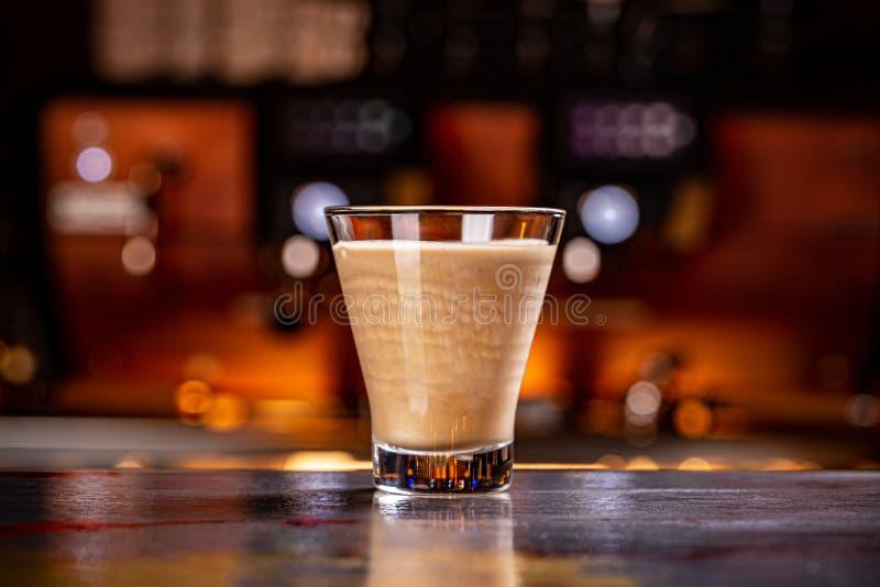 Délicieux verre de café photo stock