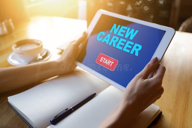 Démarrer un nouveau bouton de carrière sur l'écran de l'appareil Concept de recrutement et de développement personnel images stock