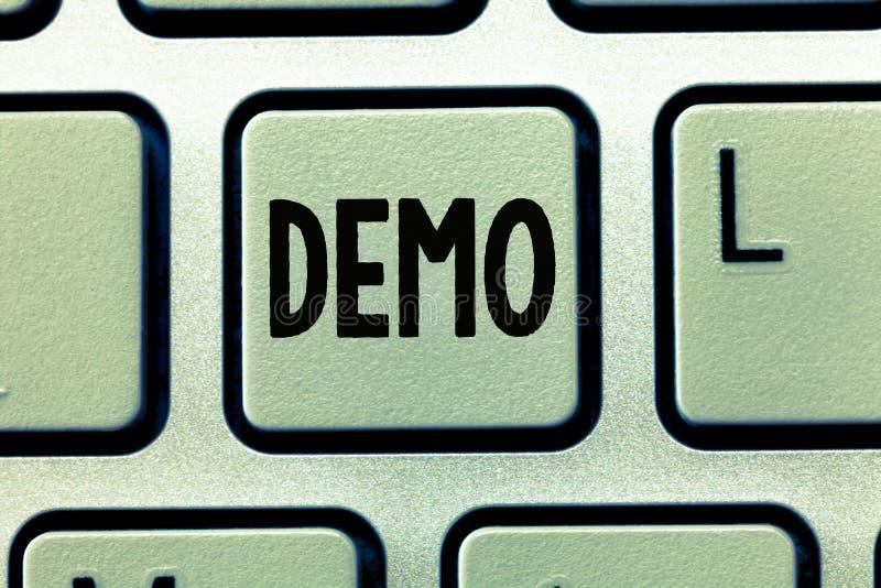 Démo des textes d'écriture de Word Concept d'affaires pour la démonstration du rassemblement public de techniques et de capacités image libre de droits