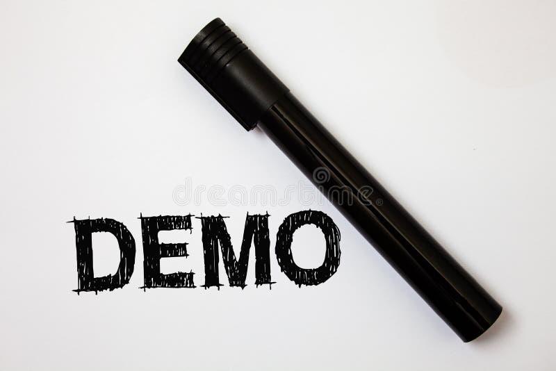 Démo des textes d'écriture de Word Concept d'affaires pour la prévision d'essai de Beta Version Free Test Sample de quelque chose photographie stock libre de droits