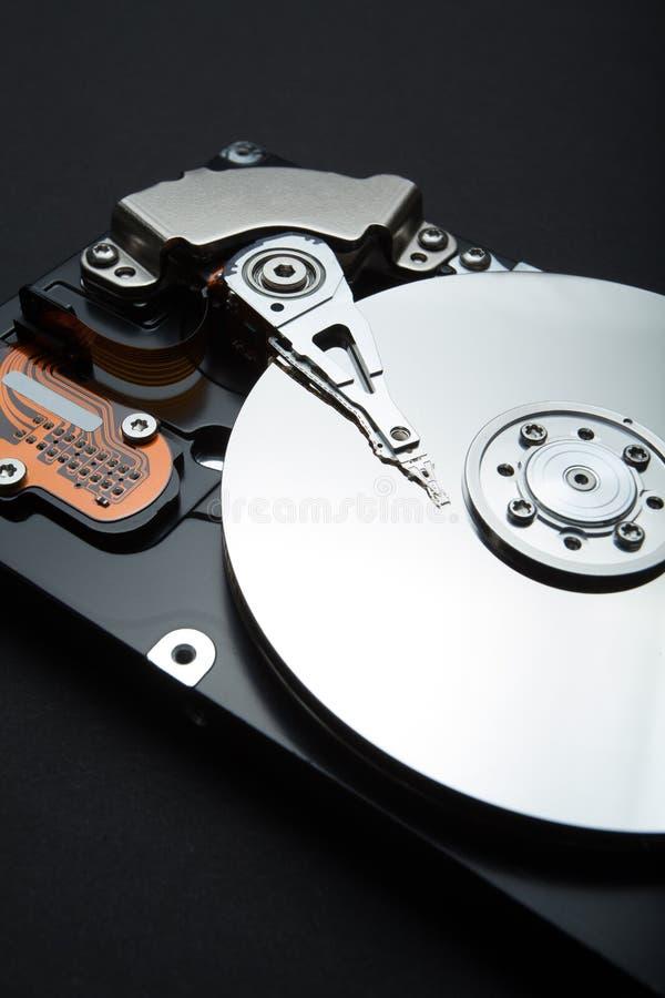 Démontez l'unité de disque dur du PC Sécurité, protection et support des données images libres de droits