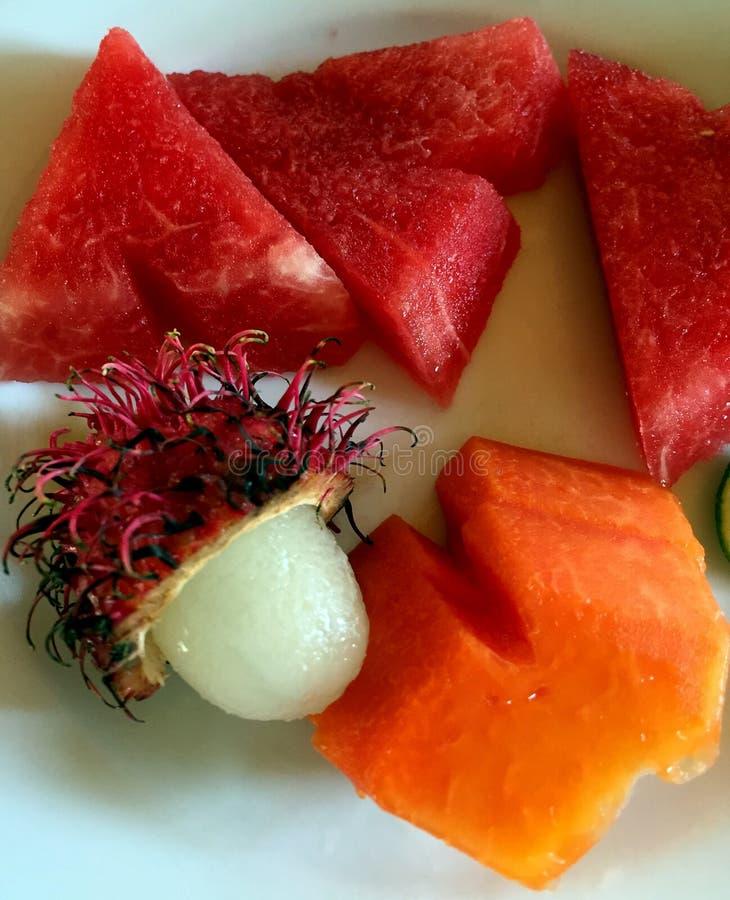 Dénommer exotique de nourriture de compositon de fruit photos stock