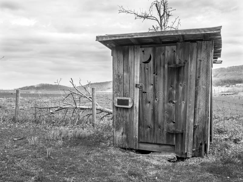 Dépendance rurale en noir et blanc photographie stock libre de droits