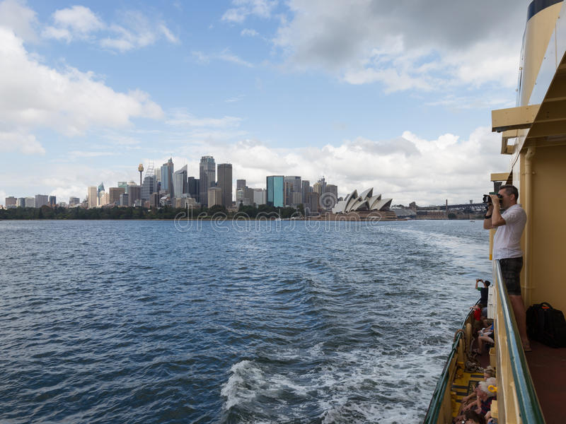 Download Déplacement En Ferry à Sydney Photo stock éditorial - Image du symbole, point: 77153703