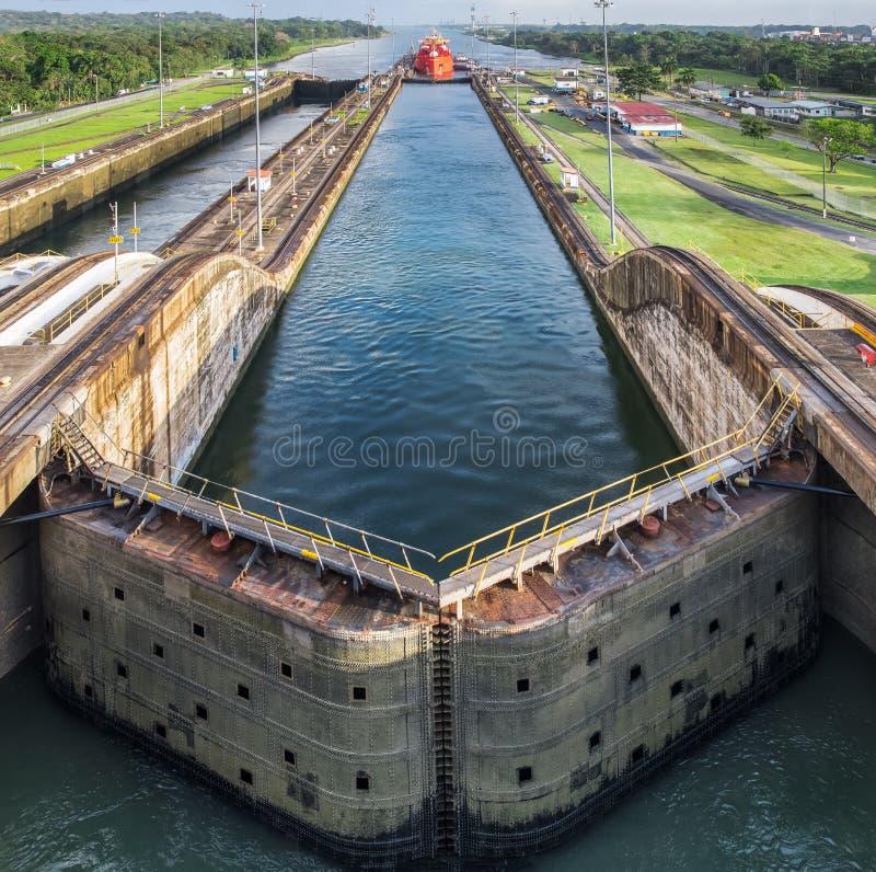 Déplacement par le canal de Panama photographie stock