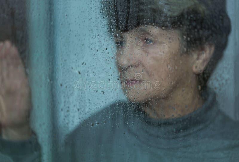 Dépression des femmes agées photo libre de droits