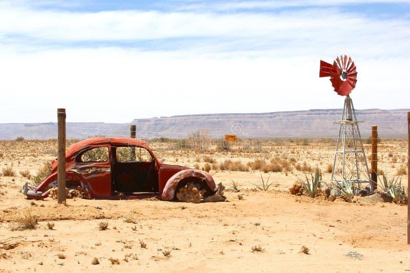 Désert classique de moulin à vent d'épave de voiture, Namibie images libres de droits