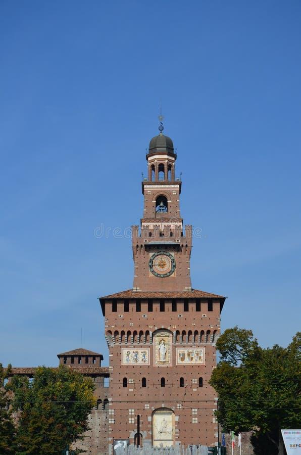 Détail architectural de la façade du château de Sforza image libre de droits