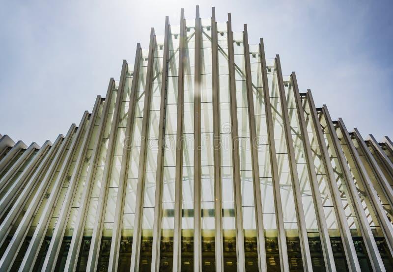 Détail architectural de la station de train à grande vitesse de Mediopadana en Reggio Emilia, Italie images libres de droits