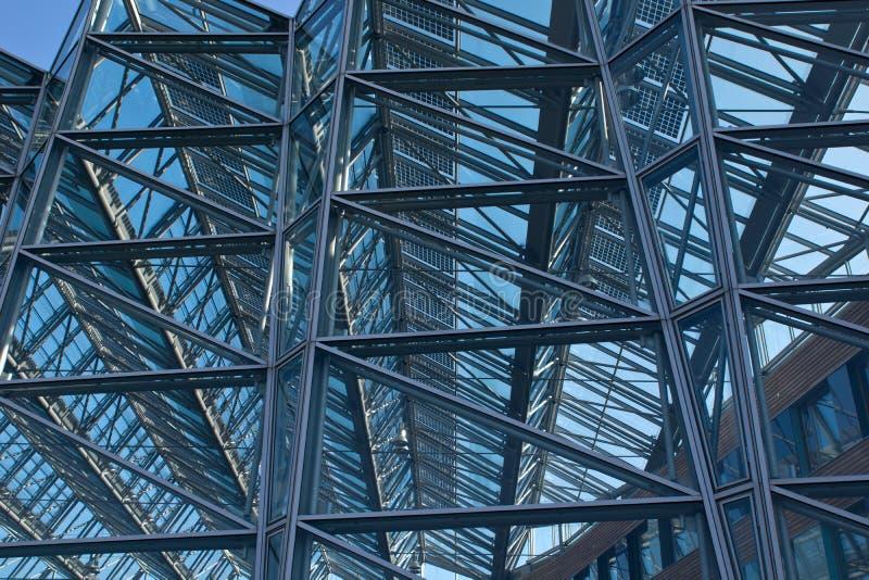 Détail d'un bâtiment en verre d'affaires images libres de droits
