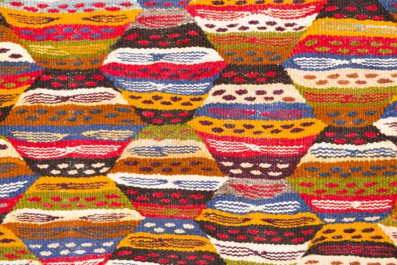 d tail d 39 un tapis marocain fond image stock image du couvertures m tier 37577187. Black Bedroom Furniture Sets. Home Design Ideas