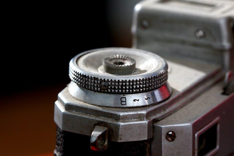 Détail d'un vieil appareil-photo de film de vintage, macro photo stock