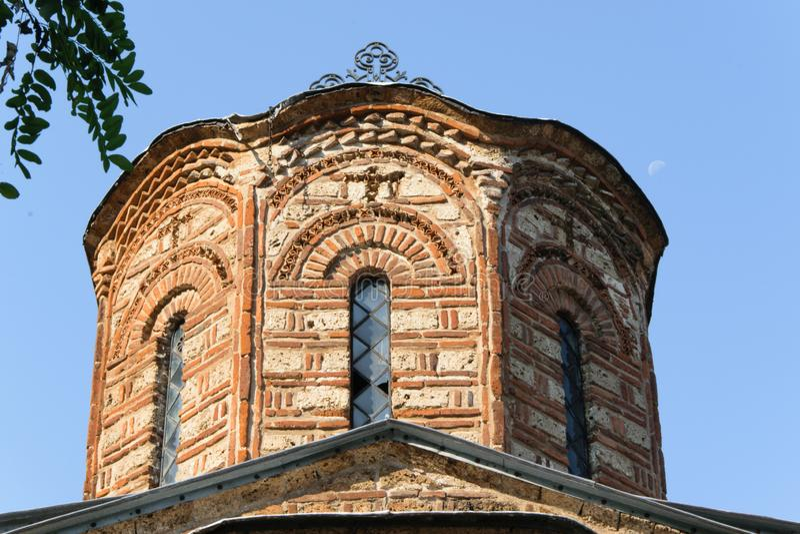 Détail d'une église ruinée dans Prizren, Kosovo photographie stock