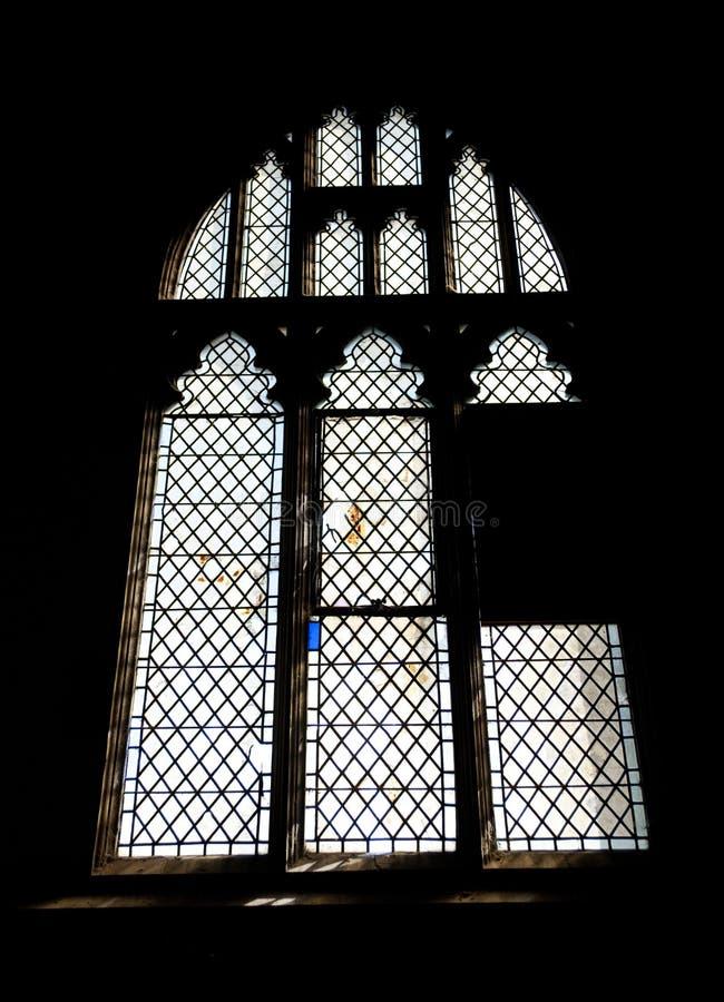 Détail d'une fenêtre en verre teinté dans l'abbaye de Crowland, Crowland, Li photographie stock