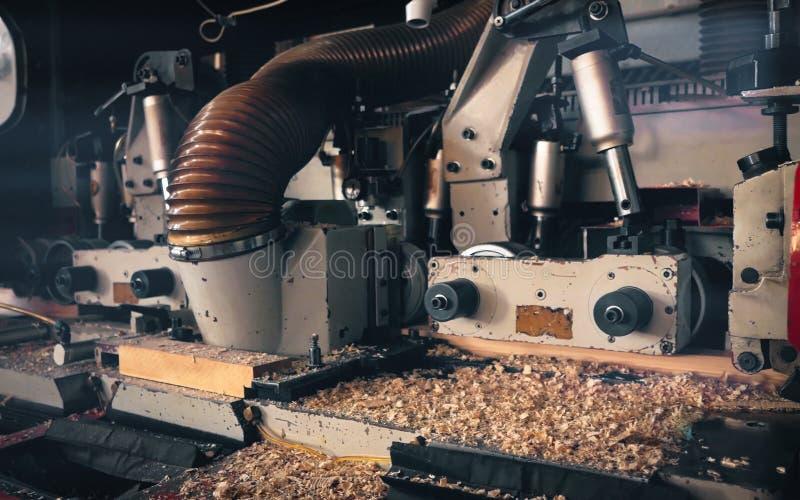 Détail d'une machine dans une scierie image stock