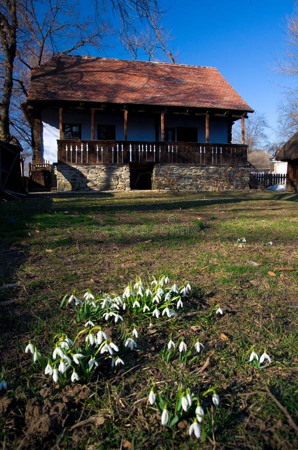 Ressort en Roumanie - maison traditionnelle photos stock