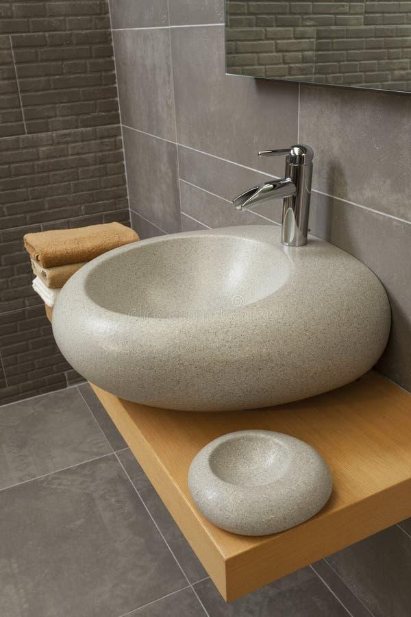 Détail d'une salle de bains moderne photographie stock libre de droits