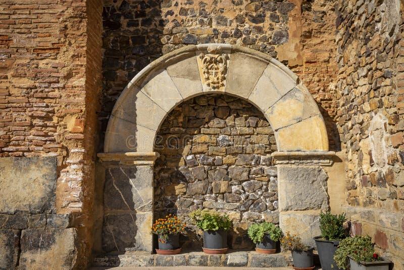 Détail d'une voûte décorative dans l'église, village de Badenas images libres de droits