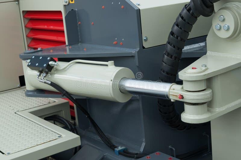 Détail de bras hydraulique d'excavatrice de piston de bouteur images stock