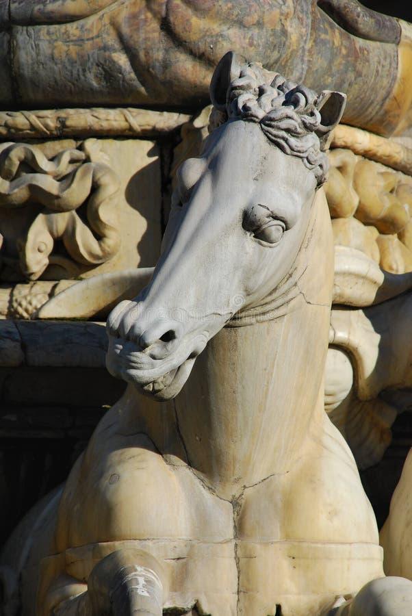 Détail de cheval de statue de Neptune, Florence photos libres de droits