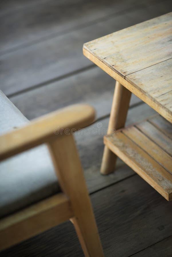 Détail de conception intérieure de rétros meubles en bois images stock