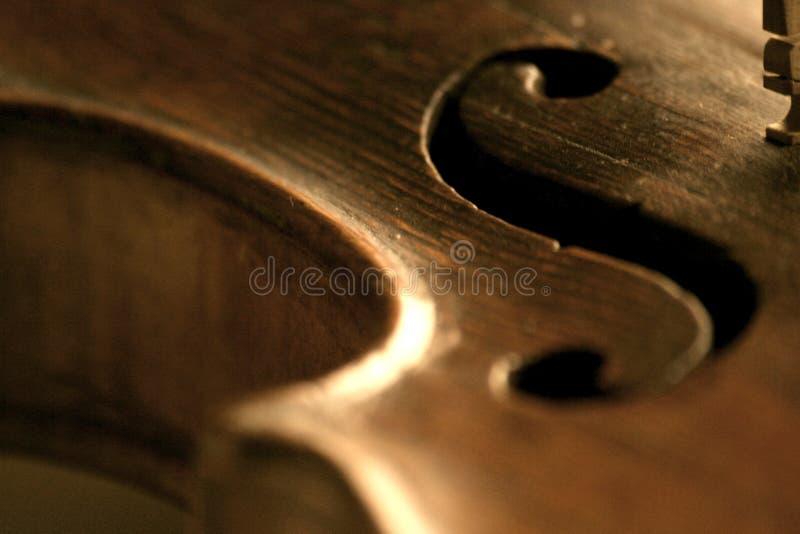 Détail de défilement du violon f images libres de droits