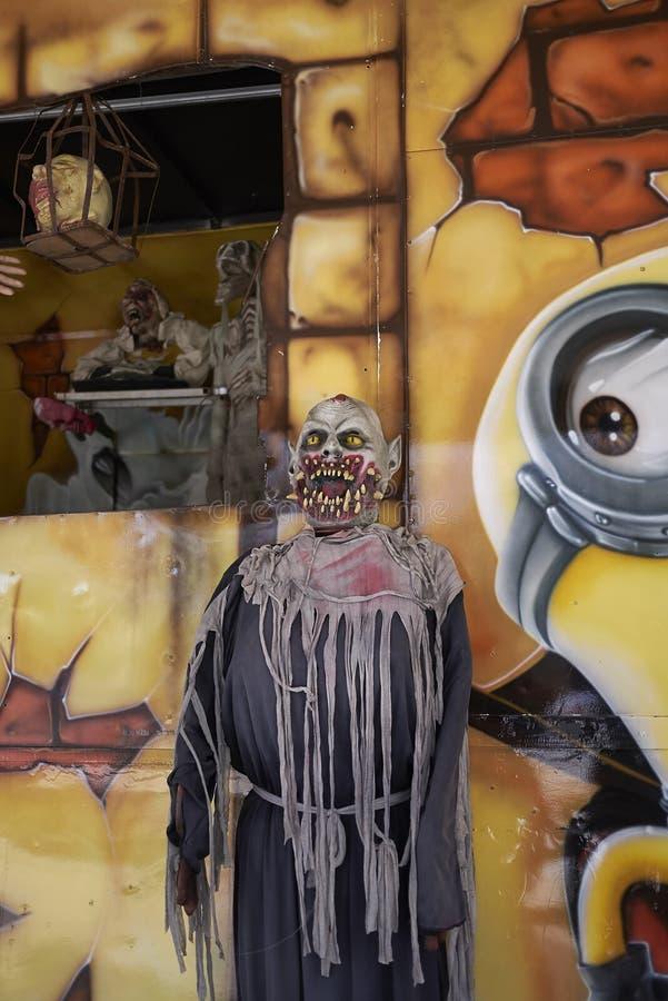 Détail de la maison hantée en parc d'attractions image stock