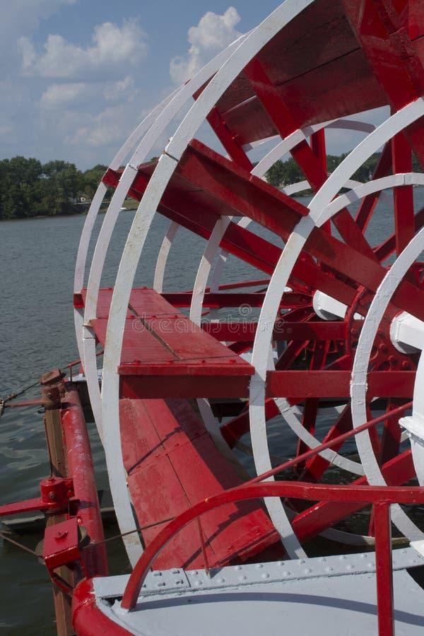Détail de la pagaie de roue à sternes photos stock