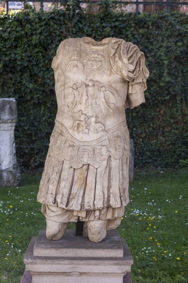 Détail de la vieille sculpture romaine photo libre de droits