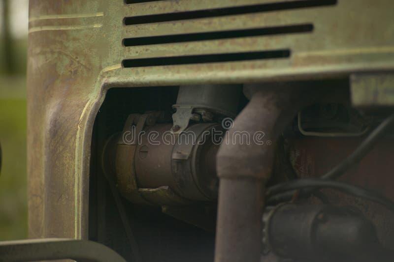 Détail de moteur du ` s de tracteur de vintage photographie stock libre de droits