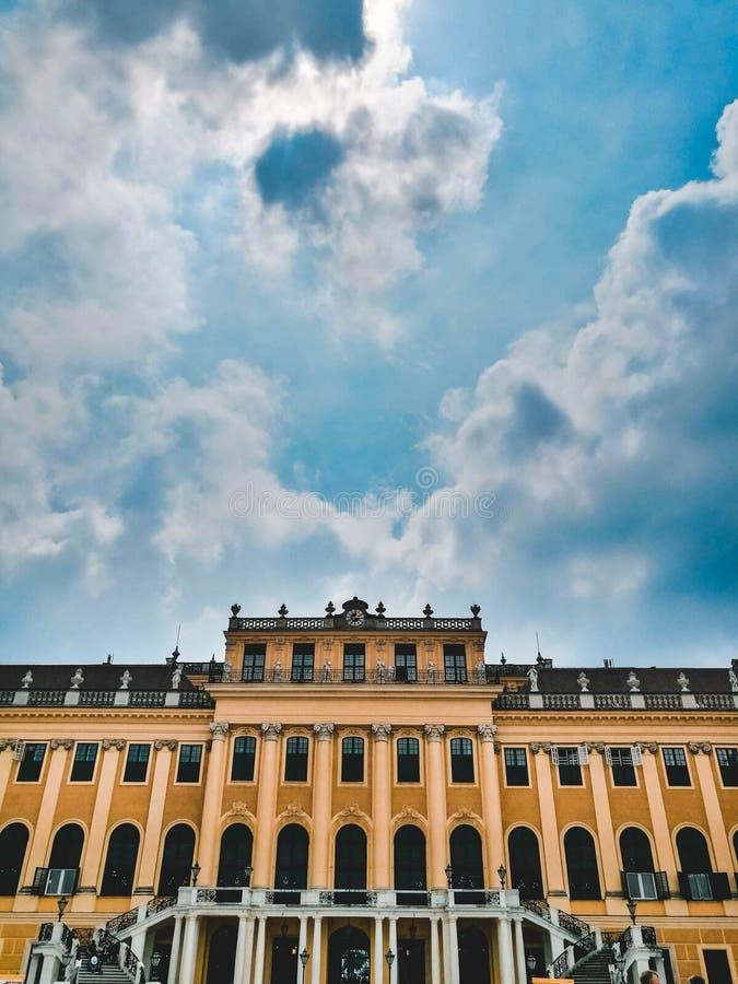 Détail de palais de Schonbrunn Beau ciel images stock