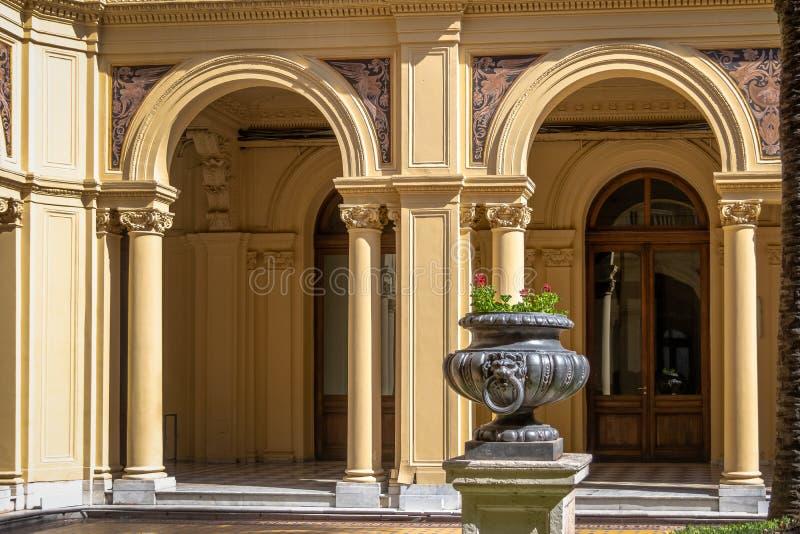 Détail de palmier Patio Patio de las Palmeras au palais présidentiel de Rosada de maison - Buenos Aires, Argentine images libres de droits