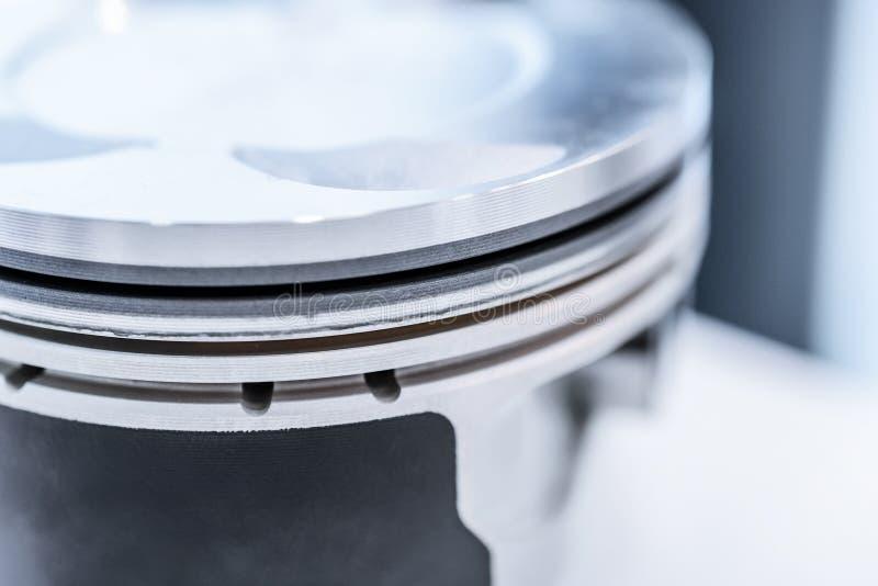 Détail de piston de moteur d'automobile images libres de droits
